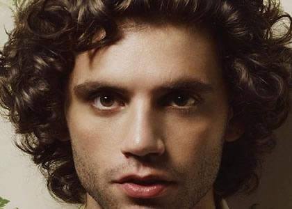Mika dans le collimateur de Crimestoppers