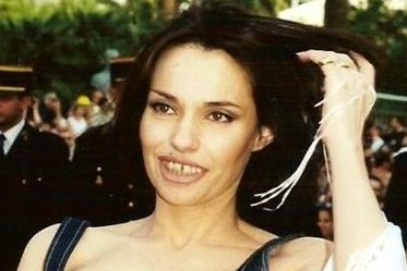B atrice dalle victime de varicelles bye bye blondie suspendu for Beatrice dalle wiki