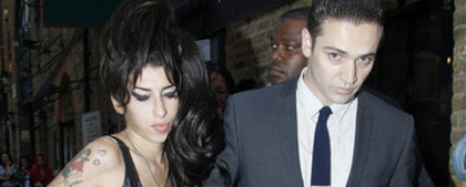 Amy Winehouse retour avec Reg Traviss rumeur