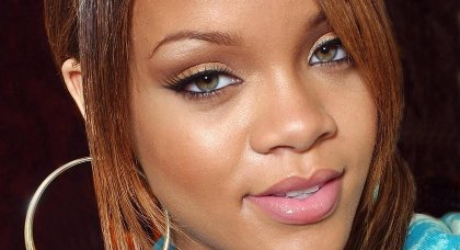Rihanna sexy pour all of the lights de kanye west - Porter plainte pour abandon de famille ...
