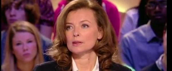 Valérie Trierweiler grillée auprès de Thomas et Flora Hollande