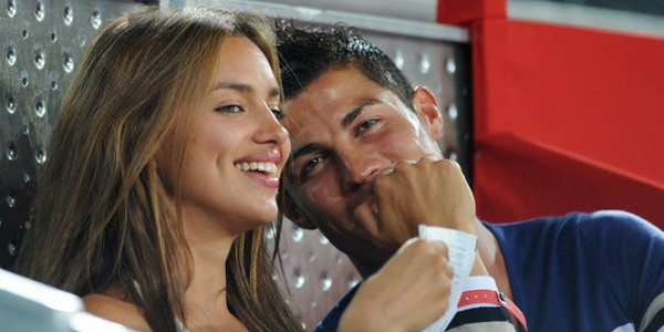 Irina Shayk, la chérie de Cristiano Ronaldo chauffe la carte bleue à Paris