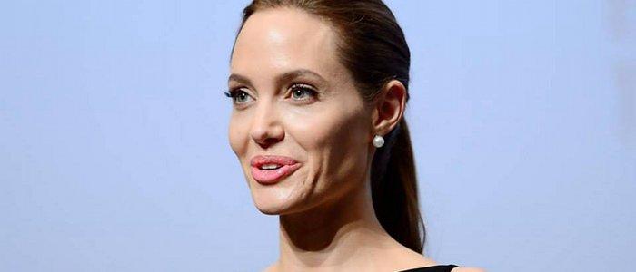 Angelina Jolie ne pèse plus que 34 kilos. Son entourage s'inquiète