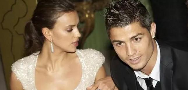 Irina Shayk confirme sa séparation avec Cristiano Ronaldo