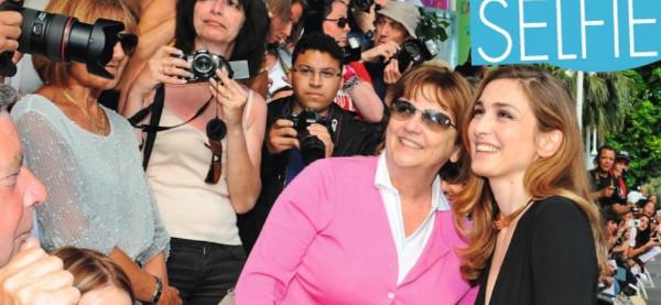 Julie Gayet dans son propre rôle dans le film sur Valérie Trierweiler