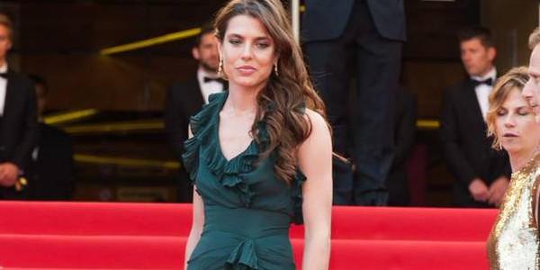 Charlotte Casiraghi ose une robe très sexy. Et c'est hot !