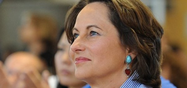Ségolène Royal crée son entreprise dans le domaine de la croissance verte (vidéo)