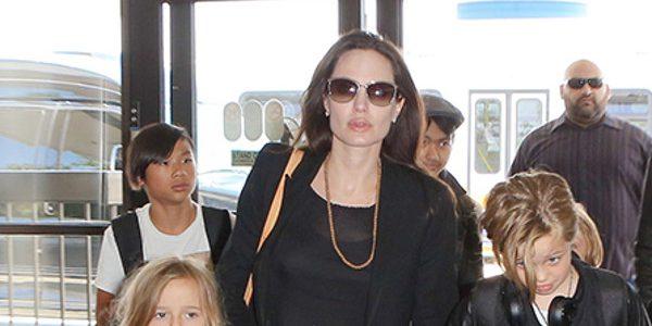 Angelina Jolie, son étrange visite dans un magasin de camouflage militaire (photos)