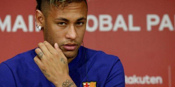 Neymar- Fêtard un jour, fêtard toujours. Il se lâche à Saint Tropez