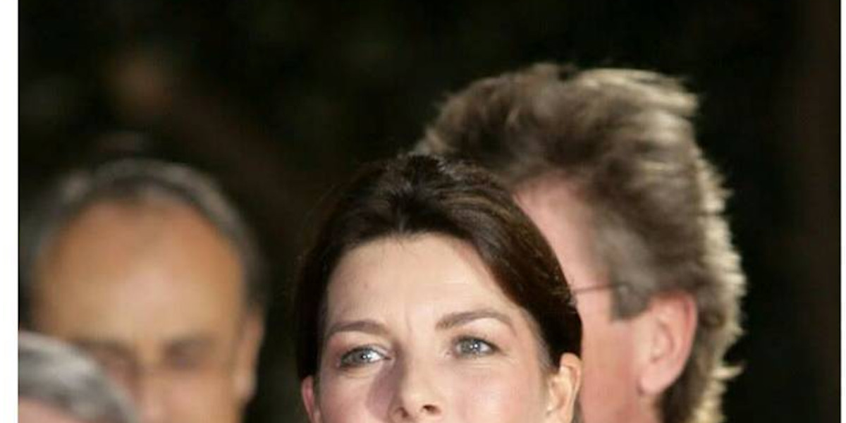 Caroline de Monaco au gala de la Croix Rouge, étonnant geste en l'absence de Charlène